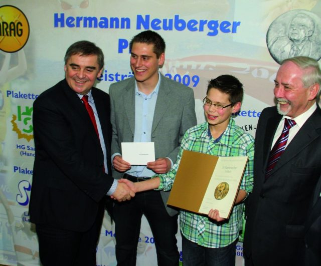 https://sv-auersmacher.de/wp-content/uploads/2019/09/Hermann-Neuberger-Preis-Titel-neu-3-640x531.jpg
