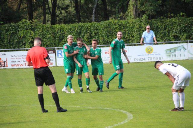 Souveräner 2:0 – Auswärtssieg bei Spitzenreiter Steinbach