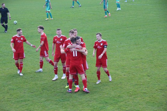 SVA nach 4:2 über den FC 08 Homburg II wieder Spitzenreiter der Saarlandliga